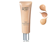 Perfectly Hydrating-Smoothing Foundation